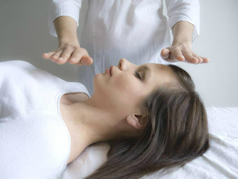 what-are-the-main-reiki-hand-positions