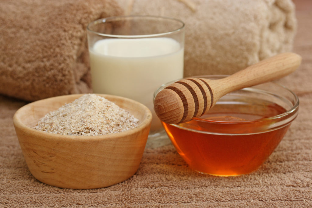 natural-eczema-treatments-oatmeal-milk-and-honey