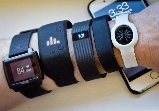 travel-fitness-gear-fitness-trackers