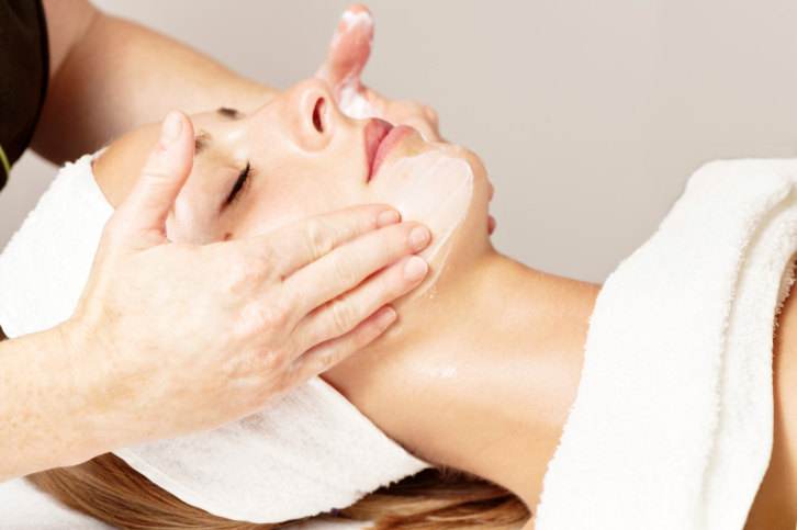 Health Benefits of a Facial Massage